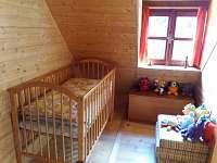 dětská postýlka - chata k pronajmutí Čejov