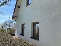 okna z kuchyně a třetí ložnice v patře - Seč - Proseč