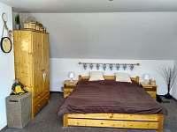 první pokoj