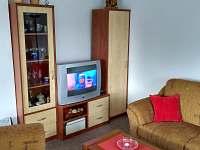 společenská místnost s TV