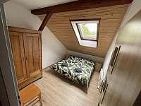 Ložnice s manželskou postelí - apartmán ubytování Nová Cerekev - Částkovice