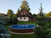 Chalupa s bazénem - ubytování Svratouch
