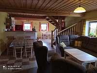 Společenská místnost - chalupa k pronájmu Svratouch