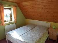 Žlutý pokoj se 3 lůžky - chalupa k pronajmutí Svratouch