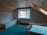 Trojlůžkový pokoj - apartmán k pronájmu Bílek