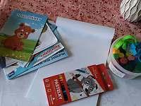 Pro děti pastelky, omalovánky a modelína s vykrajovátky - Hroubovice