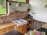 Venkovní letní kuchyň - pronájem chalupy Kameničky