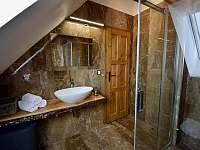 Koupelna 1. patro - roubenka k pronájmu Moravské Křižánky
