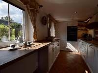 Kuchyně - roubenka k pronajmutí Moravské Křižánky