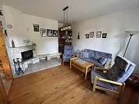 Obývací pokoj - chalupa k pronájmu Trnava