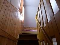 Schodiště k ložnici - chata 1 + chata 2 - Polesí u Počátek