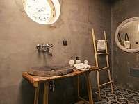 Treehouse Stvořidla - koupelna - srub k pronajmutí Leštinka
