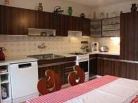 Kuchyň - chalupa ubytování Jestřebí