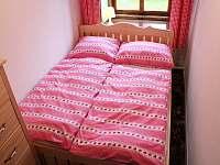 Ložnice - manželská postel 140cm - chalupa k pronajmutí Jestřebí