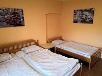 Ložnice 4 (3 osoby) - pronájem chalupy Jiřice