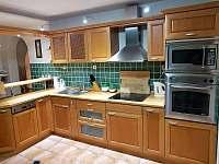 Kuchyň - vila ubytování Chlum