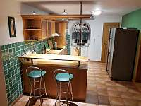 Kuchyň - pronájem vily Chlum