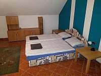 Ložnice 2 - pronájem vily Chlum