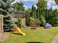 Zahrada - vila k pronájmu Chlum