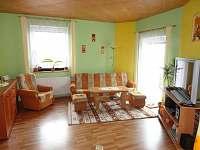 obývací pokoj - vila k pronajmutí Zubří u Nového Města na Moravě