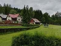 pohled na pozemek - pronájem chaty Březiny