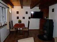 Obývací pokoj - chata k pronájmu Škrdlovice
