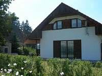 Pohled ze zahrady - chata ubytování Brtná