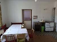 Kuchyně - chalupa ubytování Bransouze