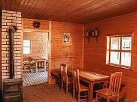 Posezení ski bar - chata k pronájmu Hluboká u Trhové Kamenice