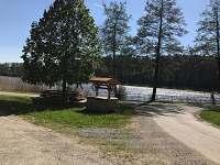 rybník v Jezdovicích