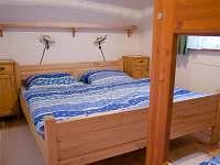 ložnice 1 - pronájem chalupy Bohuňov