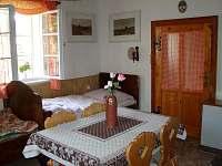Ložnice s pelesťovou postelí - pronájem chalupy Svratka - Moravská Cikánka