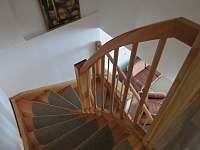 schodiště - chalupa k pronájmu Počátky