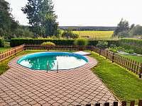 bazén s pískovou filtrací, průměr 5 m, hloubka 1,55m - chalupa k pronajmutí Herálec