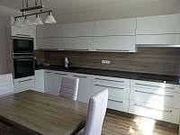 kuchyň s moderním vybavením - Herálec