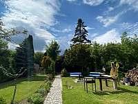 Zahrada s ohništěm - chata k pronajmutí Třebíč