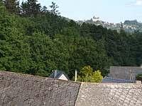 Pohled z okna na hrad Lipnici - Meziklasí