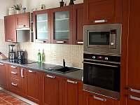 Pohled na kuchyň - rekreační dům ubytování Nové Město na Moravě