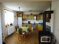 kuchyň 1.patro - chalupa k pronájmu Kamenice nad Lipou