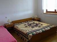 ložnice 1. patro - pronájem chalupy Kamenice nad Lipou