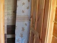 Vstup do koupelny - pronájem chaty Kramolín