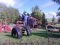 Další z turistických cílů - dětský ráj, rychloobčerstvení