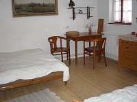Apartman pro 3 osoby pokoj vedle verandy