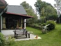 pohled do zahrady - chalupa ubytování Krátká