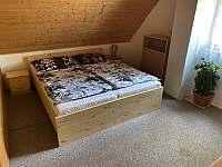 Ložnice - chata k pronajmutí Kramolín