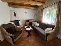 Obývací pokoj - chata k pronajmutí Kramolín