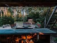 Bar pod vyhlídkou u ohniště - Broumova Lhota
