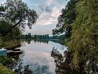 Rybník Ředkovec - chata k pronájmu Broumova Lhota