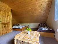 5-ti lůžkový pokoj v přízemí - chata ubytování Kramolín