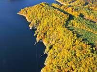 Dalešická přehrada - podzim - Kramolín